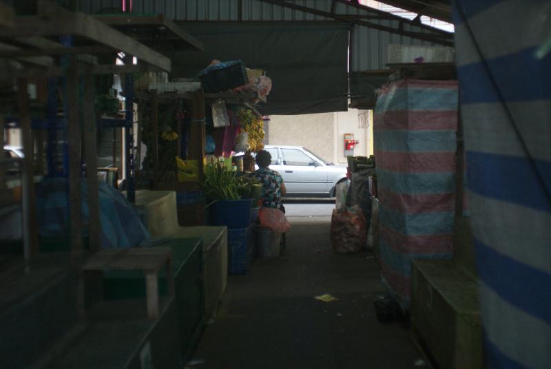 STREET : Shop at dusk